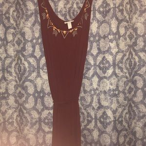 Maroon maxi dress with neck detail